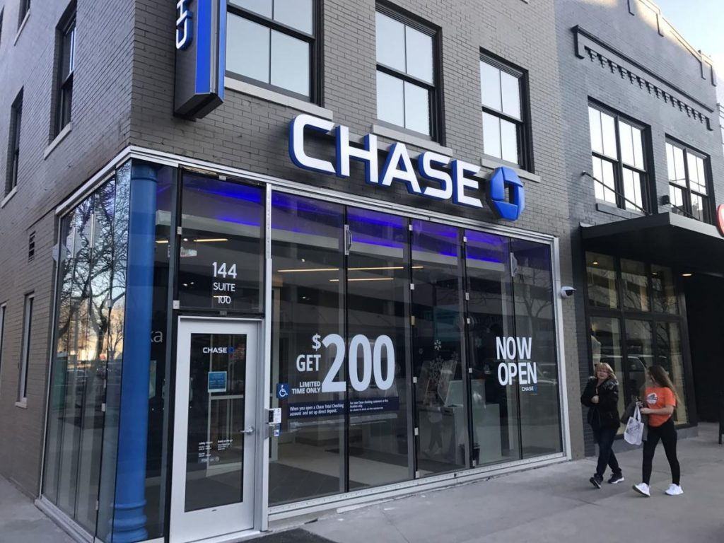 Chase bank working hours